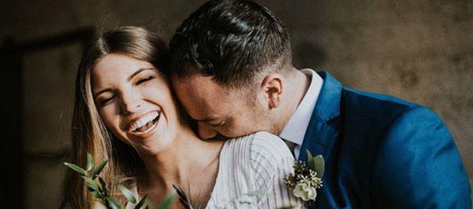 Stellen Sie sich erst gar nicht vor, am grossen Tag einen anderen Ausdruck anzuzeigen als denjenigen der erfüllten Braut! So sollen Sie vorgehen.
